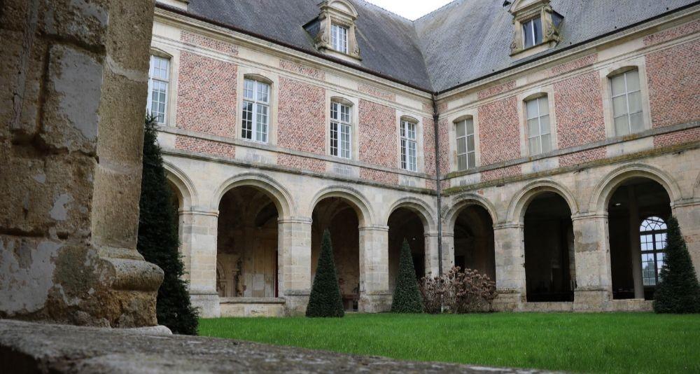 Cloître de l'abbaye de Saint-Michel